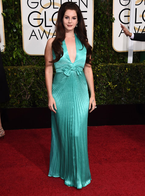 Lana Del Rey arrives at the 72nd annual Golden Globe Awards at the Beverly Hilton Hotel on Sunday, January 11, 2015, in Beverly Hills, Calif. (Photo by Jordan Strauss/Invision/AP Photo)
