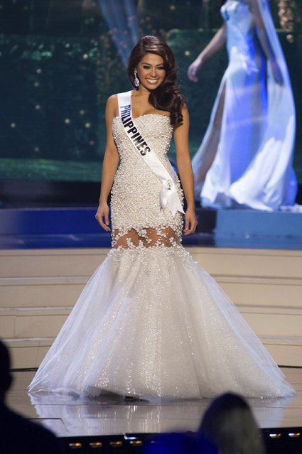 Mary Jean Lastimosa, Miss Philippines 2014 competes on stage in her evening gown during the Miss Universe Preliminary Show in Miami, Florida in this January 21, 2015 handout photo. (Photo by Reuters/Miss Universe Organization)