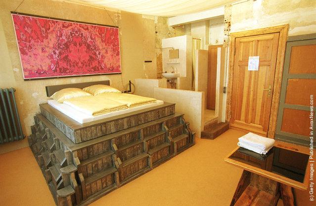 Propeller Island City Lodge – Weirdest Hotel In The World