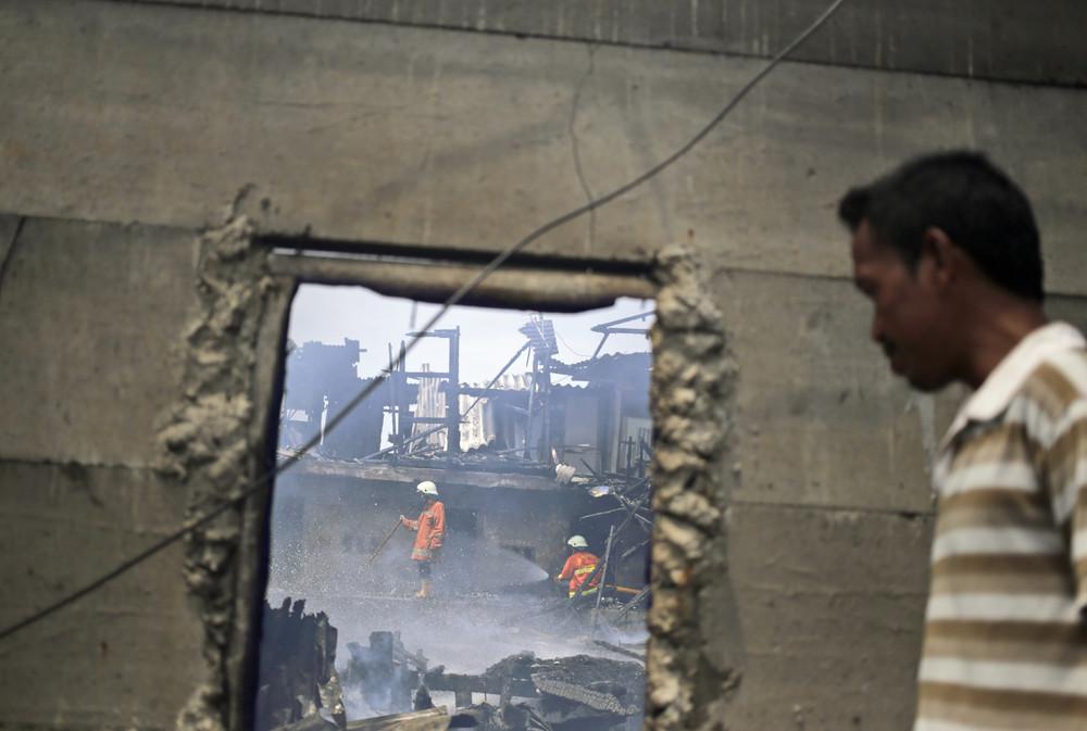 Fire in Jakarta's Slums