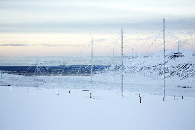 Radar antennas at the European Incoherent Scatter Scientific Association (EISCAT) facility on Breinosa, Svalbard, Norway October 24, 2015. (Photo by Anna Filipova/Reuters)