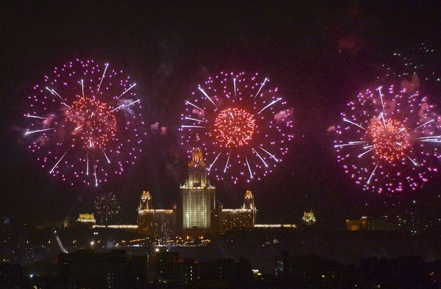 Fireworks explode over the Moscow State University during the Victory Day celebrations in Moscow, Russia, May 9, 2015. (Photo by Reuters/Host Photo Agency/RIA Novosti)