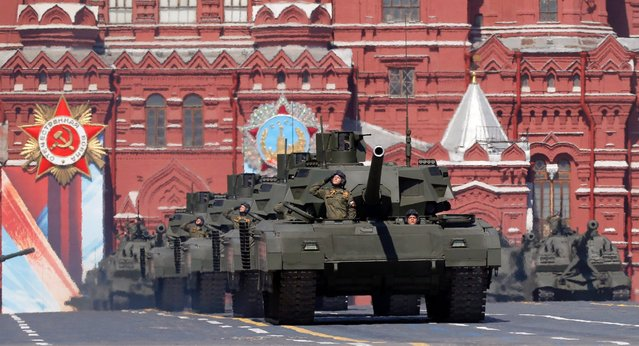 A new generation of Russian Armata tanks take part in the Victory Day military parade on Red Square in Moscow, Russia, May 9, 2016. (Photo by Yuri Kochetkov/EPA)