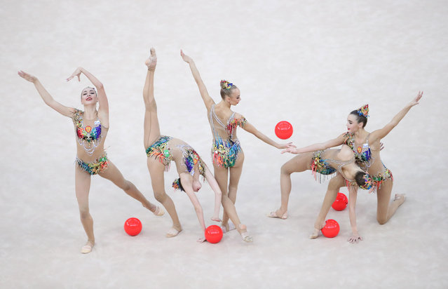Group of Russia performs during the 37th Rhythmic Gymnastics World Championships, Group 5 Balls Final in Baku, Azerbaijan, 22 September 2019. (Photo by Tatyana Zenkovich/EPA/EFE)