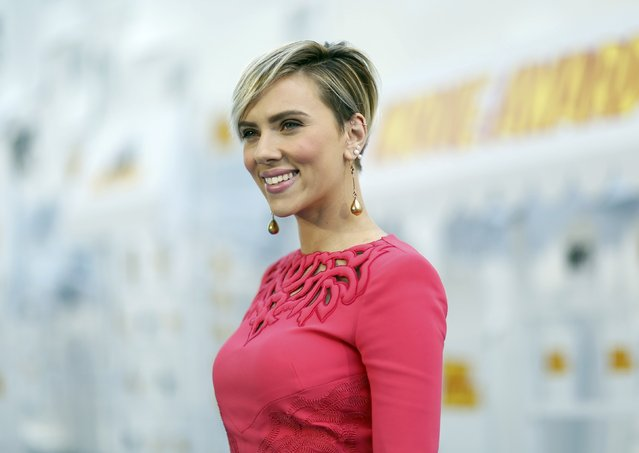 Actress Scarlett Johansson arrives at the 2015 MTV Movie Awards in Los Angeles, California April 12, 2015. (Photo by Mario Anzuoni/Reuters)