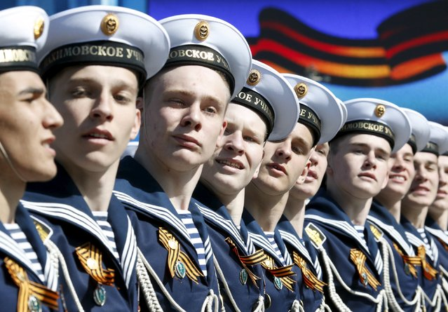 Russian navy sailors march during a rehearsal for the Victory Day parade in Red Square in central Moscow, Russia, May 7, 2015. (Photo by Grigory Dukor/Reuters)