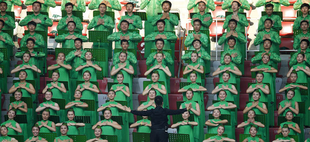 A choir performs during the opening ceremony of the 15th IAAF World Championships at the National Stadium in Beijing, China August 22, 2015. (Photo by Damir Sagolj/Reuters)