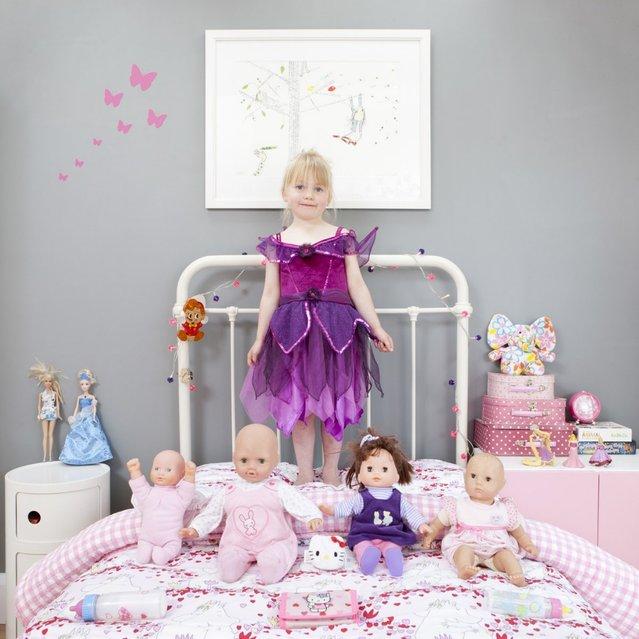 "Sofia, 4 – Bradfort on Avon, U.K. ""Toy Stories"" project. (Gabriele Galimberti)"