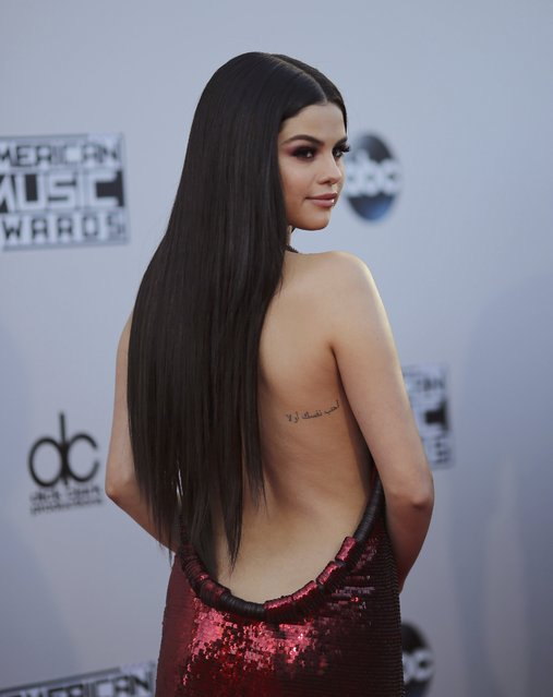 Singer Selena Gomez arrives at the 2015 American Music Awards in Los Angeles, California November 22, 2015. (Photo by David McNew/Reuters)