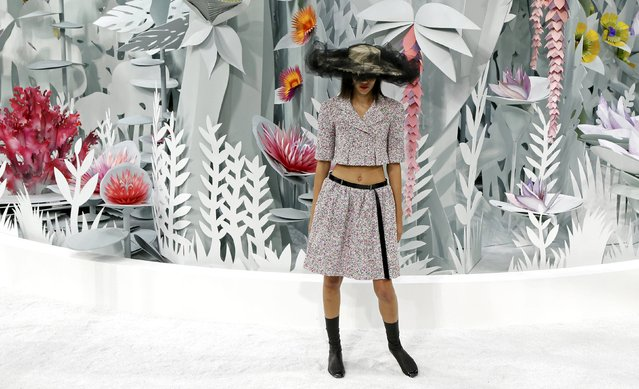 A model presents a creation by German designer Karl Lagerfeld as part of his Haute Couture Spring Summer 2015 fashion show for French fashion house Chanel in Paris January 27, 2015. (Photo by Gonzalo Fuentes/Reuters)