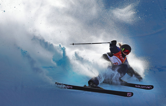 Katie Summerhayes of Great Britain crashes during the Freestyle Skiing on day eight of the PyeongChang 2018 Winter Olympic Games at Phoenix Snow Park on February 17, 2018 in Pyeongchang-gun, South Korea. (Photo by Ian MacNicol/Getty Images)