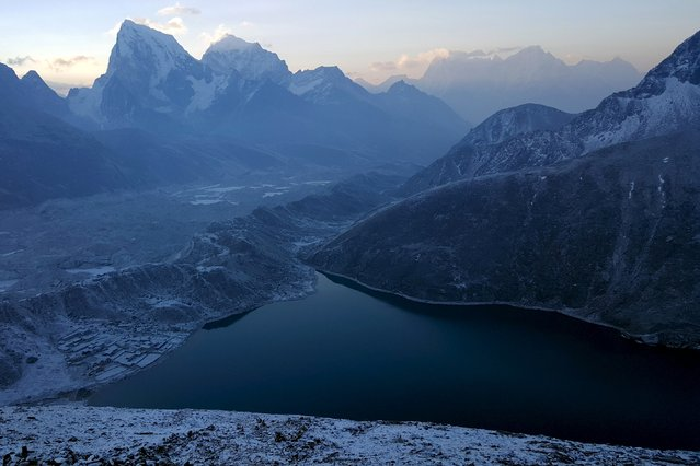 A general view is seen of the Khumbu Valley in the Everest region of Nepal in this picture taken April 16, 2016. (Photo by Antoni Slodkowski/Reuters)
