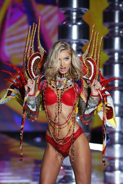 Model Elsa Hosk wears a creation during the Victoria's Secret fashion show at the Mercedes-Benz Arena in Shanghai, China, Monday, November 20, 2017. (Photo by Andy Wong/AP Photo)