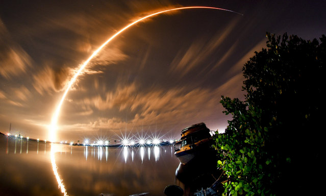 A three minute time exposure shows the launch of a SpaceX Falcon 9 from Cape Canaveral Space Force Station Launch Complex 40, Thursday, January 7, 2021 in Port Canaveral, Fla. The rocket is carrying the Turksat 5A satellite for Turkey. (Photo by Malcolm Denenark/Florida Today via AP Photo)