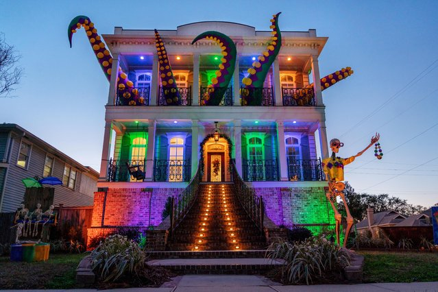 "The ""Kraken"" house float, on Memphis St., in Lakeview, is one of thousands in the New Orleans area decorated in celebration of Mardi Gras in Louisiana, February 7, 2021. Residents have been encouraged to view the homes while practicing social distancing to prevent the spread of the coronavirus. (Photo by Kathleen Flynn/Reuters)"