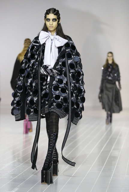 The Marc Jacobs Fall 2016 collection is modeled during Fashion Week, Thursday, February 18, 2016, in New York. (Photo by Julie Jacobson/AP Photo)