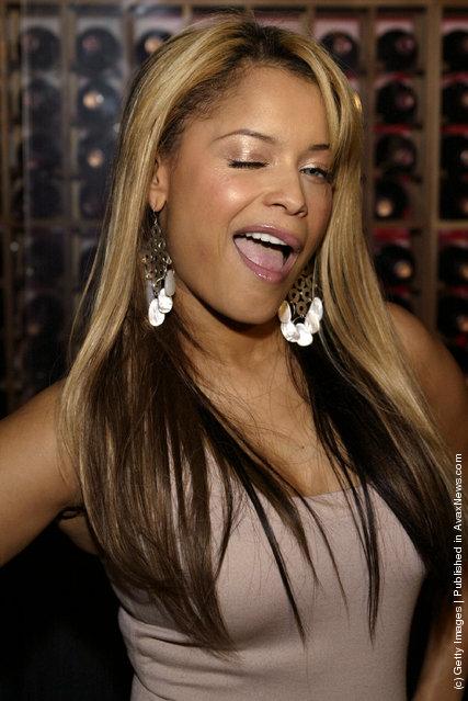 Winking Singer Blu Cantrell