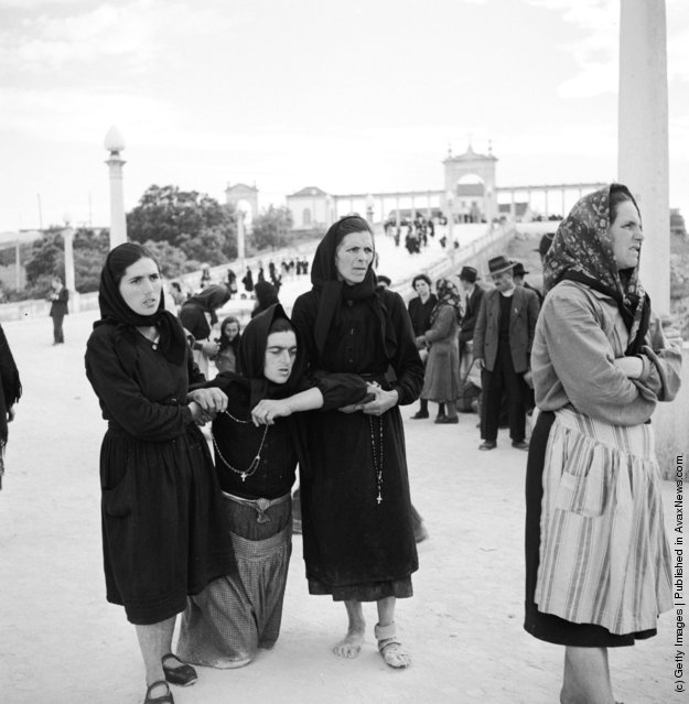 1950: Pilgrims to the Basilica at Fatima, Portugal, will walk the last part of their journey - sometimes on their Knees