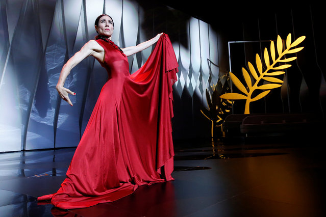 Spanish dancer and choreographer Blanca Li performs on stage on May 17, 2017 during of the opening ceremony of the 70 th edition of the Cannes Film Festival in Cannes, southern France. (Photo by Stephane Mahe/Reuters)