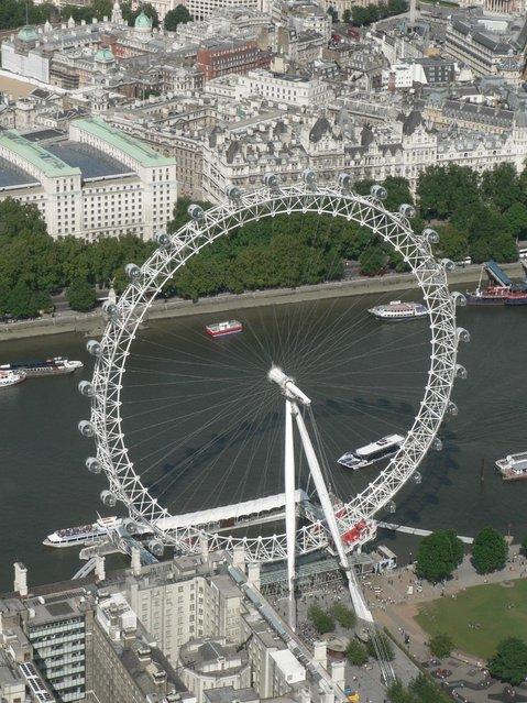 The London Eye -Giant Ferris Wheel