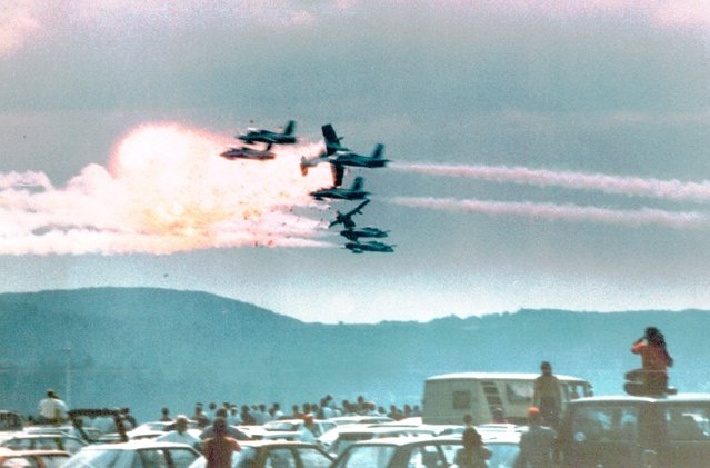 Three Italian jets collide at an air show in Ramstein Air Base, Germany, on August 28, 1988. One jet exploded in flames and plowed into the large crowd, killing 70 and injuring over 400. Ten years after the disaster survivors for the first time are seeking to win compensation for their emotional suffering. (Photo by Charles Daughty/AP Photo)