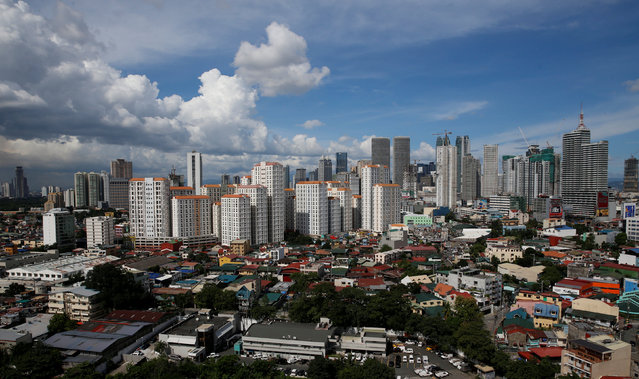 A view of residential condominium buildings at a residential neighbourhood in Mandaluyong, Metro Manila, Philippines August 22, 2016. (Photo by Erik De Castro/Reuters)