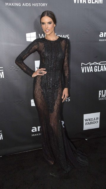 Model Alessandra Ambrosio poses at the amfAR's Fifth Annual Inspiration Gala in Los Angeles, California October 29, 2014. (Photo by Mario Anzuoni/Reuters)