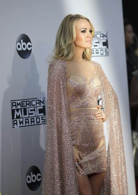 Singer Carrie Underwood arrives at the 2015 American Music Awards in Los Angeles, California November 22, 2015. (Photo by David McNew/Reuters)