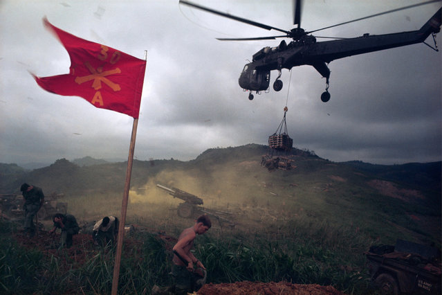 Ammunition airlift into besieged Khe Sanh, Operation Pegasus, April 1968. (Photo by Larry Burrows/AP Photo)