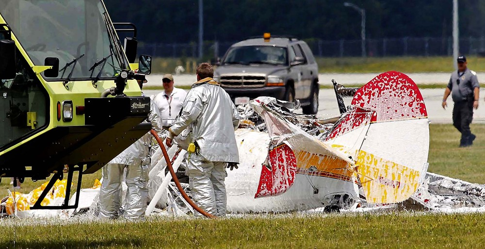 Wing Walker, Pilot Die in Crash at Ohio Air Show