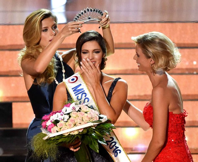 Miss Nord Pas de Calais Iris Mittenaere is crowned Miss France 2016 during the Miss France 2016 beauty contest on December 19, 2015 in Lille. (Photo by Philippe Huguen/AFP Photo)