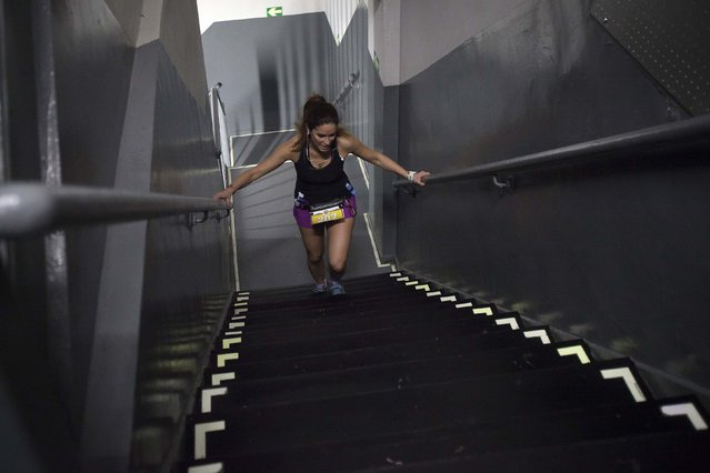 A runner taking part in the 38th Annual Empire State Building Run-Up is pictured arriving on the 86th floor in the Manhattan borough of New York February 4, 2015. (Photo by Carlo Allegri/Reuters)