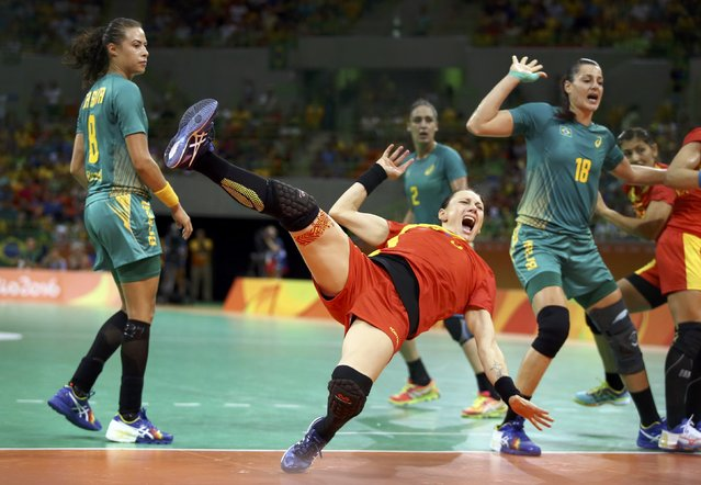 Melinda Gaiger of Romania in action during their women's handball game against Brazil, 2016 Rio Olympics, August 8, 2016, Rio de Janeiro, Brazil. (Photo by Marko Djurica/Reuters)