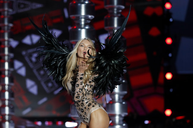 Model Romee Strijd wears a creation during the Victoria's Secret fashion show at the Mercedes-Benz Arena in Shanghai, China, Monday, November 20, 2017. (Photo by Andy Wong/AP Photo)