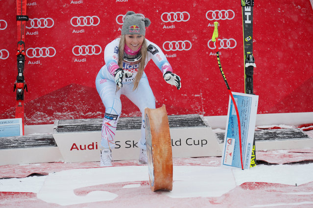 Lindsey Vonn of USA takes 1st place during the Audi FIS Alpine Ski World Cup Women's Super G on December 16, 2017 in Val-d'Isere, France. (Photo by Robert Pratta/Reuters)