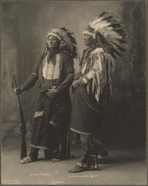 Chief Goes To War, Chief Hollow Horn Bear, Sioux, 1899. (Photo by Frank A. Rinehart)