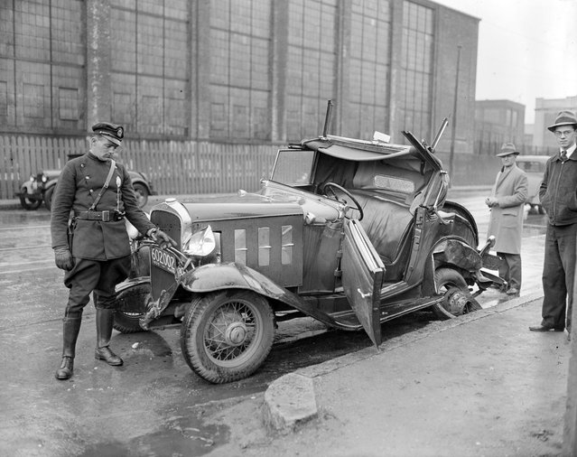 Auto wreck, 1935. (Photo by Leslie Jones)