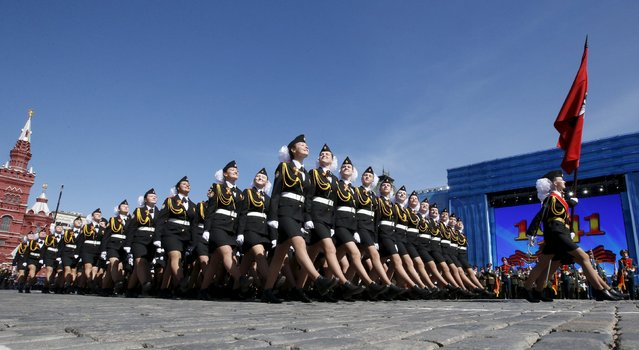 Russian servicewomen march during a rehearsal for the Victory Day parade in Red Square in central Moscow, Russia, May 7, 2015. (Photo by Grigory Dukor/Reuters)
