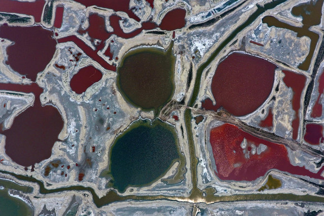 Aerial photo taken on June 14, 2017 shows salt lakes in Yuncheng City, north China's Shanxi Province. (Photo by Cao Yang/Xinhua/Barcroft Images)