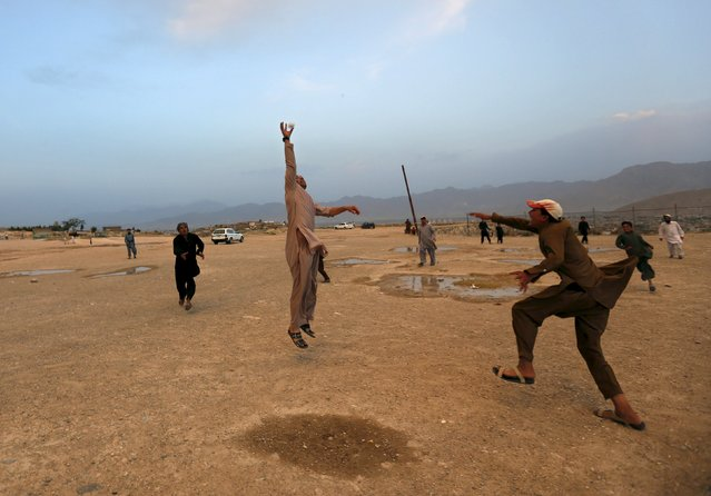 Afghan men play handball in Kabul, Afghanistan August 24, 2015. (Photo by Mohammad Ismail/Reuters)