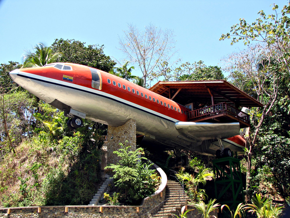 Boeing 727 Airplane Converted in Hotel – Costa Rica