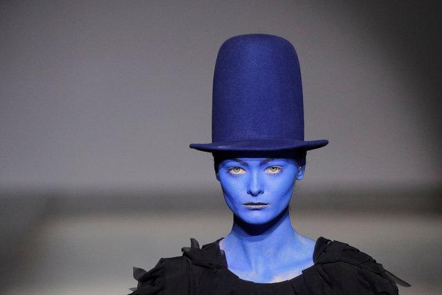 A model presents a creation by Ukrainian designer Maryna Rybalko during Ukrainian Fashion Week in Kyiv, Ukraine on September 1, 2020. (Photo by Valentyn Ogirenko/Reuters)
