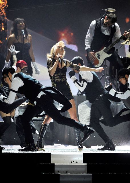 Taylor Swift performs on stage during the Brit Awards 2013 at the 02 Arena  in London, England, on February 20, 2013.  (Photo by Matt Kent/Getty Images)