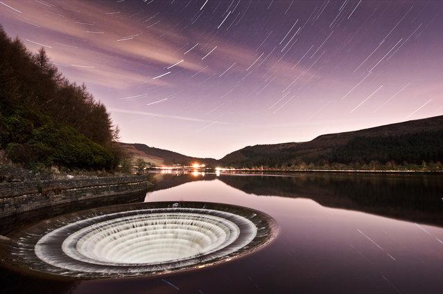 Ladybower Reservoir In Derbyshire England