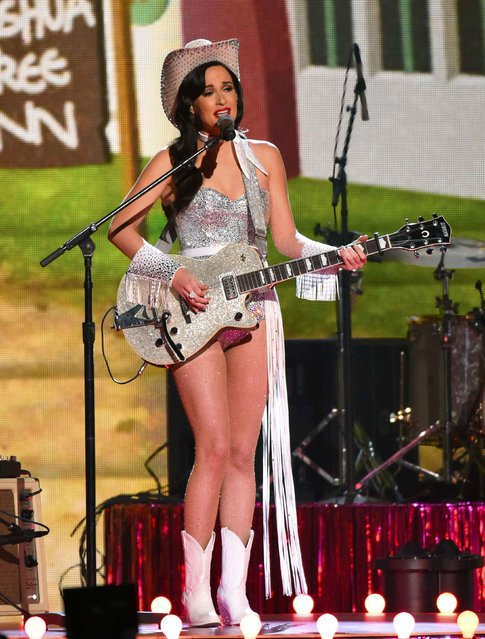 "Kacey Musgraves performs ""Dime Store Cowgirl"" at the 49th Annual Country Music Association Awards in Nashville, Tennessee November 4, 2015. (Photo by Harrison McClary/Reuters)"