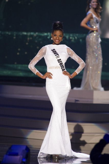 Ziphozakhe Zokufa, Miss South Africa 2014 competes on stage in her evening gown during the Miss Universe Preliminary Show in Miami, Florida in this January 21, 2015 handout photo. (Photo by Reuters/Miss Universe Organization)