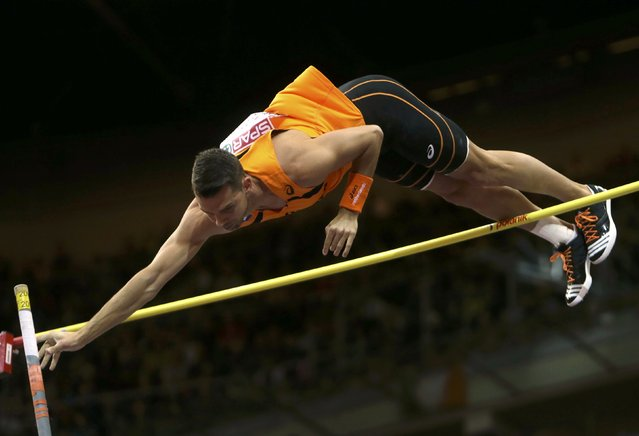 Eelco Sintnicolas of the Netherlands competes in the men's heptathlon pole vault event during the European Indoor Championships in Prague March 8, 2015. REUTERS/David W Cerny (CZECH REPUBLIC  - Tags: SPORT ATHLETICS)