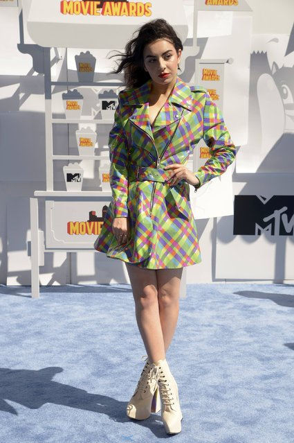 Singer Charli XCX arrives at the 2015 MTV Movie Awards in Los Angeles, California April 12, 2015. (Photo by Phil McCarten/Reuters)