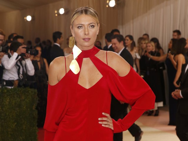 """Tennis player Maria Sharapova arrives at the Metropolitan Museum of Art Costume Institute Gala (Met Gala) to celebrate the opening of """"Manus x Machina: Fashion in an Age of Technology"""" in the Manhattan borough of New York, May 2, 2016. (Photo by Lucas Jackson/Reuters)"""