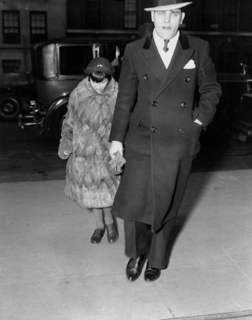 """Clad in a gray squirrel fur coat, little Gloria Vanderbilt arrives at the home of her mother, Gloria Morgan Vanderbilt, in midtown New York, January 12, 1935, for a week-end visit authorized by Surpreme Court Justice Carew after he placed the girl under the guardianship of her paternal aunt, Gertrude Vanderbilt Whitney. Nicknamed """"poor little rich girl"""" by the press, the 10-year-old heiress to a $ 4,000 000 fortune from her late father, Reginald Vanderbilt, is subject of a fierce custody battle between her mother and her aunt. (Photo by AP Photo)"""